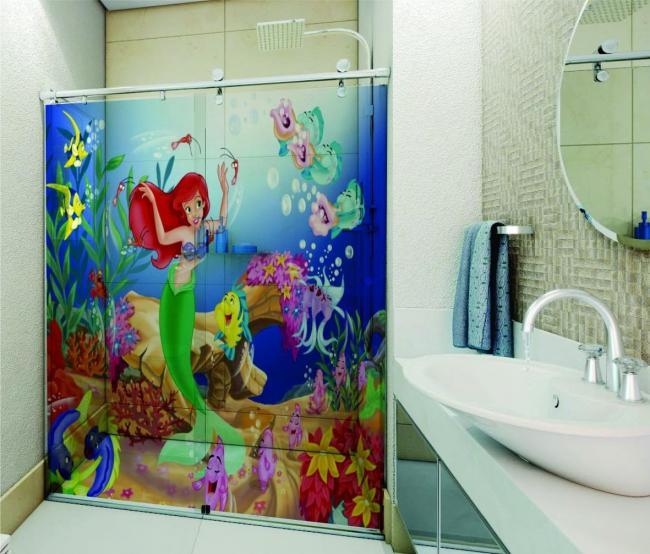 Repaginando_o_banheiro_infantil_com_adesivos.jpg